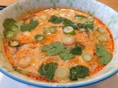 Seafood Recipes, Soup Recipes, Soup Starter, Vegetable Pizza, Thai Red Curry, Quiche, Slow Cooker, Shrimp, Food And Drink