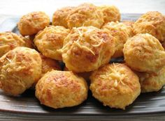 Dutch Cooking - Page 17 - Elsewhere in Europe: Cooking & Baking - eGullet Forums Gouda cheese balls (kaasbolletjes)! Great Dutch recipes at this forum! Egg Tart, Dutch Recipes, Indonesian Food, Indonesian Recipes, Food Places, International Recipes, Love Food, Cookie Recipes, Tapas