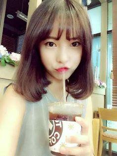 see through bangs Korean Hairstyle Short Shoulder Length, Korean Bangs Hairstyle, Korean Short Hair, Short Hair With Bangs, Shoulder Length Hair, Short Hair Styles, Fringe Hairstyles, Hairstyles With Bangs, Bang Hairstyles