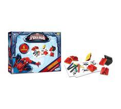 2003.2 - Carimbos Ultimate Spider-Man | O carimbo contribui no desenvolvimento da percepção visual, coordenação motora e estimula a criatividade das crianças. Vem com 6 carimbos diferentes, bloco de papel e giz de cera para colorir. | Faixa etária: + 4 anos | Medidas: 24 x 5 x 18 cm | Licenciados | Xalingo Brinquedos | Crianças