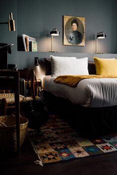 the COQ Hotel - an arty & bohemian boutique hotel in Paris - Travel Destinations Coq Hotel Paris, Paris Hotels, Hotel Paris Montmartre, Victorian Decor, Victorian Homes, Kardashian Home, Traditional Interior, White Decor, Home Decor Accessories
