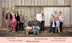 cute family picture, several generations. Large Family Photography, Large Family Portraits, Cute Family Pictures, Extended Family Photos, Large Family Photos, Family Portrait Poses, Family Picture Poses, Fall Family Photos, Family Photo Sessions