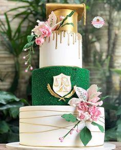Graduation Decorations, Graduation Party Decor, Graduation Day, Grad Parties, Birthday Decorations, Blue Birthday Cakes, 21st Birthday Gifts, Green Theme, Party Decoration