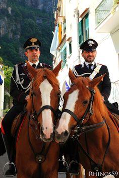 Carabinieri a cavallo - Amalfi, Naples