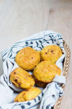 Vandaag deel ik mijn recept voor glutenvrij brood met tapiocameel. Lekker luchtig door de tapiocameel, zulke glutenvrije broodjes heb je nog nooit gegeten.