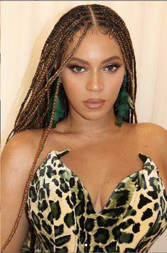 10 Celebrity-Inspired Ways To Rock Knotless Box Braids - Beyonce - Blonde Box Braids, Black Girl Braids, Girls Braids, Black Women Braids, Brown Box Braids, Estilo Beyonce, Beyonce Style, Beyonce Black Hair, Baddie Hairstyles