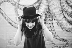 Look (plus) friends (plus) tips  Brick lane - London UK  Hat Primark Melina Souza photo by Sharon Eve Smith