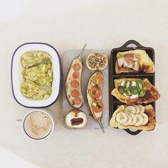 mooooooorning thursday :-j))) #goodmorning #morning #breakfast #yummy #goodfood #instafood #onthetable  #homemade #foodie #foodstagram #foodphoto #yum #top_food_of_instagram #S_S_iloveBreakfast #朝食 #早餐 #朝ごパン #dutchbaby #烘培 #baking #honeypeach_kiwiberrycreamcheese_honeybanana_dutchbaby #cheese_avodaco_chicken_patty #roasted_cheesesausage_cheesetomato_eggplant #roasted_stuffed_creamcheesewalnut_honeyoatmeal_cherryapple