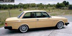 Volvo 200 -- Texas 242