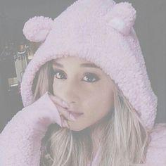 #Ariana #Grande