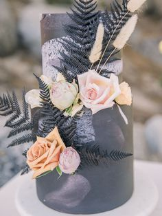 Modern bohemian wedding inspiration at Lake Tahoe with four dreamy bridal gowns! Wedding Signs, Boho Wedding, Bohemian Weddings, Love Design, Floral Design, Neon Cakes, Wedding Cake Designs, Wedding Cakes, Bohemian Wedding Inspiration