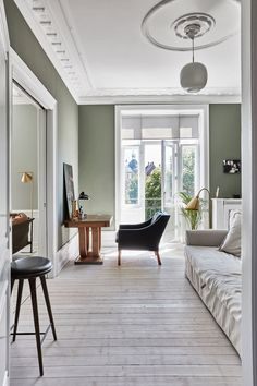 home office decorating ideas on a budget House Colors Inside, Colour Architecture, Living Room Decor Cozy, Paint Colors For Home, Minimalist Living, Cheap Home Decor, White Walls, Colorful Interiors, Interior Inspiration
