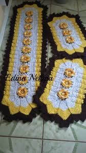 Resultado de imagem para tapete de barbante para cozinha Crochet Table Runner, Tablerunners, Bathroom Sets, Crochet Doilies, Crochet Projects, Crochet Patterns, Blanket, Rugs, Blog