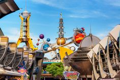 https://flic.kr/p/FPqHf3   The Land We Call Tomorrow   Today's photo tour takes us to Tomorrowland in the Magic Kingdom. What I really love about this land is all the vibrant colors that were used in creating this special place. If you think it's colorful during the day, wait till the sun goes down and you see it at night. This land also houses two of my favorite rides in the whole park, Walt Disney's Carousel of Progress and Space Mountain. What's your favorite ride in Tomorrowland? Have a…