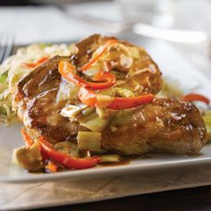 Recipe: Pork Chops in Vegetable Sauce - Recettes - Beef Vh Sauces, Food Dishes, Main Dishes, Seared Pork Chops, Pork Soup, Stir Fry Sauce, Pork Recipes, Vegetable Recipes, Favorite Recipes