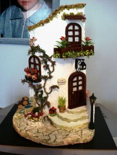 fairy house made out of shells Clay Houses, Ceramic Houses, Miniature Houses, Miniature Rooms, Clay Fairy House, Fairy Garden Houses, Fairy Gardens, Fairies Garden, Gnome House