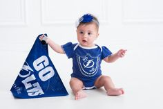 Eila is ready for hockey season. #IsItOctoberYet (Photo from Eila's dad @rohitkhannaESQ)