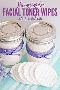 diy beauty How to make easy DIY facial toner pads with essential oils and natural ingredients for refreshing skin care - quick and easy to make, plus which essential oils work the best for different skin types Homemade Facials, Homemade Skin Care, Homemade Beauty Products, Diy Skin Care, Skin Care Tips, Homemade Face Moisturizer, Natural Products, Natural Oils, Homemade Cosmetics Diy