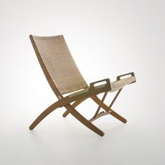 Danish Rope Folding Chair (Hans Wegner, Need two of them with at least one matching foot rest Folding Furniture, Danish Furniture, Scandinavian Furniture, Folding Chair, Scandinavian Design, Modern Furniture, Cane Furniture, Scandinavian Interiors, Plywood Furniture