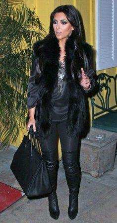 Black Vest Outfit, Fur Vest Outfits, Black Fur Vest, Faux Fur Vests, Fall Outfits, Cute Outfits, Black Leggings, Tunic Leggings, Look Kim Kardashian
