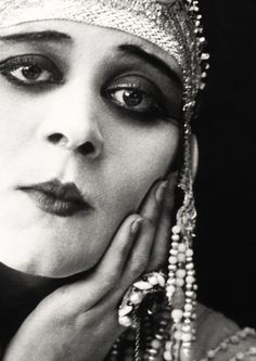 "Theda Bara - ""Cleopatra"" (1917) - Costume designer : George James Hopkins"