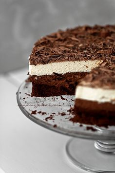 Potrójnie musowe ciasto czekoladowe. Wyszedł przepyszny, ale do musu będę musiała dodać śmietan fixu bo śmietana się dobrze nie ubiła.