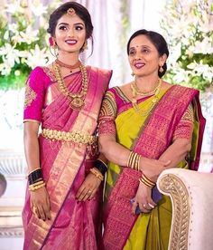 A candid pic with your mumsy is so mandatory! 📷 Describe your love for her in 3 words in the comments section below! Bridal Sarees South Indian, Wedding Silk Saree, Indian Bridal Outfits, Indian Wedding Hairstyles, Indian Bridal Fashion, South Indian Bride, Indian Sarees, Silk Sarees, Bridal Hairstyles