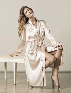 Paris robe : Luxury Sleepwear