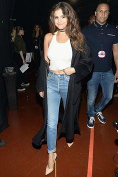 4/3 #セレーナ・ゴメス #ガウンコート #リブタンク #ハイウエストジーンズ #パンプス |海外セレブ最新画像・私服ファッション・着用ブランドまとめてチェック DailyCelebrityDiary*