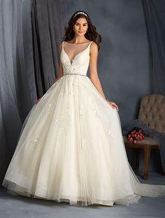 Val Stefani, D8113, Size 10 Wedding Dress   Winter wonderland ...