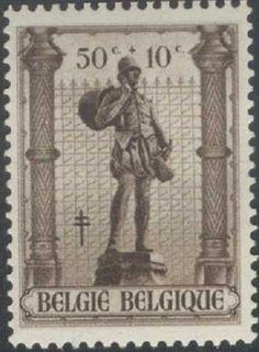 Бельгия 1943. Статуи в парке Брюсселя.