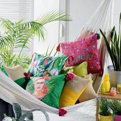 Coussin déhoussable en liberty (Multico) - Homemaison : vente en ligne coussins standards Decoration, Bean Bag Chair, Tropical, Throw Pillows, Bed, Furniture, Color, Home Decor, Angles