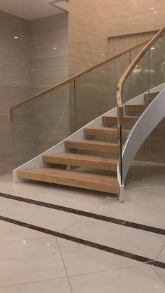 Staircase Contemporary, Staircase Design Modern, Staircase Railing Design, Luxury Staircase, Home Stairs Design, Duplex House Design, Curved Staircase, Interior Stairs, Modern House Design