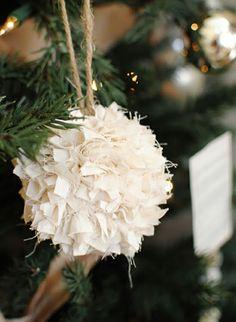 weihnachtsbasteleien aus stoff baumkugel