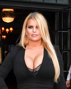Jessica Simpson Did The 'Body Reset Diet' From Trainer Harley Pasternak To Lose 100 Pounds Jessica Simpsons, Jessica Simpson Body, Famous Celebrities, Celebs, Body Reset Diet, Snake Skin Dress, Lose 100 Pounds, Thing 1, Weight Loss Secrets