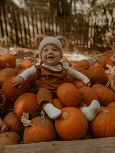 Fall Pictures With Pumpkins, Baby Pumpkin Pictures, Pumpkin Patch Pictures, Pumpkin Patch Kids, Baby In Pumpkin, Pumpkin Farm, Family Picture Poses, Fall Family Photos, Fall Photos