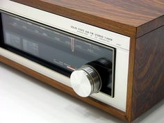 tuner, would love to have it ! Audio In, Wooden Case, Audio Equipment, Audiophile, Horns, Gentleman, Gadgets, Vintage, Google