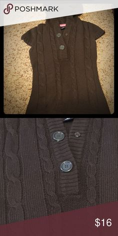 ⭐️SALE⭐️ Brown Hooded Sweater This sweater is very warm and comfortable! In great condition. Sweaters