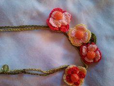 Rosângela Vig Artesanato e decoração: colares coloridos de crochê, gracinhas