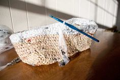 I wish I could crotchet. How to crotchet with reused plastic bags