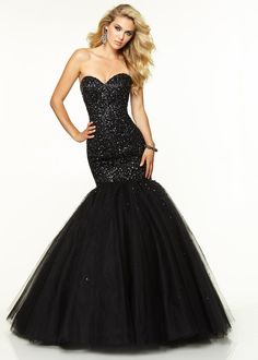 remarkable Black Strapless Sweetheart Beaded Tulle Corset Back Prom Dresses by Alinna in Retroterest. Read more: http://retroterest.com/pin/black-strapless-sweetheart-beaded-tulle-corset-back-prom-dresses/
