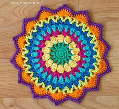 Crochet folder The Effective Pictures We Offer You About crochet stitches A quality picture can tell you many things. Motif Mandala Crochet, Crochet Quilt Pattern, Crochet Circles, Crochet Motifs, Crochet Doilies, Crochet Flowers, Crochet Diy, Crochet Home, Crochet Crafts