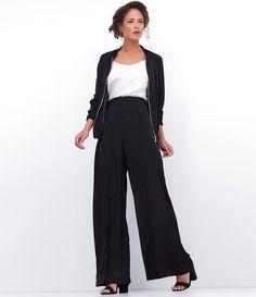 Calça feminina  Modelo pantalona  Acetinada  Marca: Cortelle  Tecido: Poliéster  Modelo veste tamanho: 36     Medidas da Modelo:     Altura: 1,77  Busto: 83  Cintura: 58  Quadril: 87     COLEÇÃO INVERNO 2016     Veja outras opções de    calças femininas.