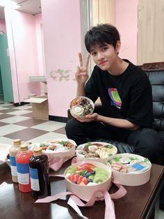 Seventeen Samuel, Samuel 17, King Of My Heart, Reality Tv Shows, Boyfriend Material, K Idols, My Boyfriend, Singer, Kpop