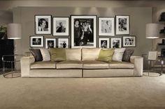 https://i.pinimg.com/236x/b8/63/81/b863812cd1a412d0dd4f2accaf9ca5da--black-interiors-home-interiors.jpg