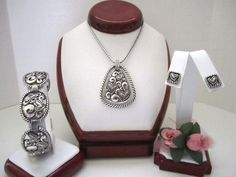 """Brighton """"TWISTED LOVE"""" Necklace-Earring-Bracelet Set (MSR$110) NWT/Pouch #Brighton"""