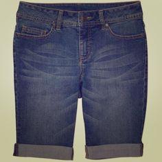 3a2b7c0e61 Cuffed Bermuda Shorts Blue jean Bermuda shorts...size 8 material is  stretchy.