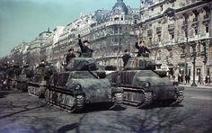 Paris occupied during the Second World War - Paris sous l'occupation Allemande.