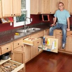 Organization Tips for Your Kitchen - This website has lots of great DIY home improvement tips!