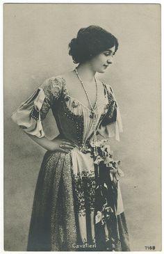 Lina Cavaliéri (via Thami Antique Antique Photos, Vintage Photographs, Vintage Images, Old Photos, Edwardian Era, Edwardian Fashion, Vintage Fashion, Mode Vintage, Vintage Ladies